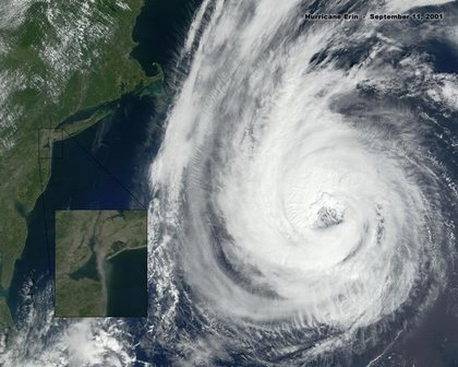 HurricaneErin-large